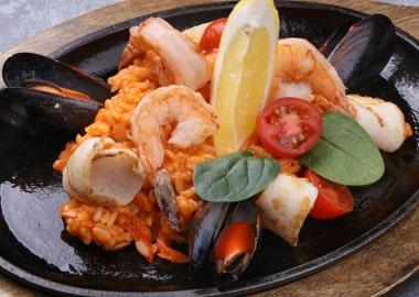 Рис с морепродуктами в соусе том ям
