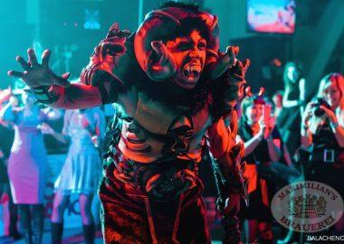 Halloween в«Максимилианс», 1ноября2013