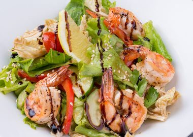 Grilled prawns with fresh salad