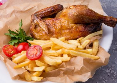 Chicken in onion-garlic marinade