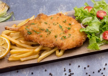 Viennese pork schnitzel for 2 persons