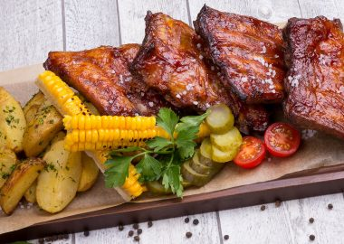 Baked pork BBQ ribs for 2 persons