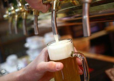 Пиво по 100 рублей + меню со скидкой 30%
