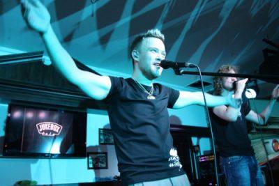 Jukebox Trio + выступление Тимура Батрутдинова и Гавра, 21 мая 2011 - Ресторан «Максимилианс» Казань - 12