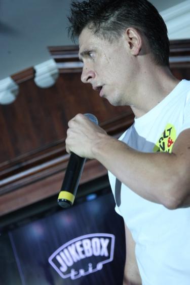 Jukebox Trio + выступление Тимура Батрутдинова и Гавра, 21 мая 2011 - Ресторан «Максимилианс» Казань - 21