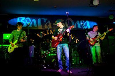 ВИА «Волга-Волга» и «Мамульки-Bend» в «Максимилианс», 12 апреля 2012 - Ресторан «Максимилианс» Казань - 02