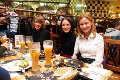«Жуки», 21 ноября 2010 - Ресторан «Максимилианс» Казань - 03
