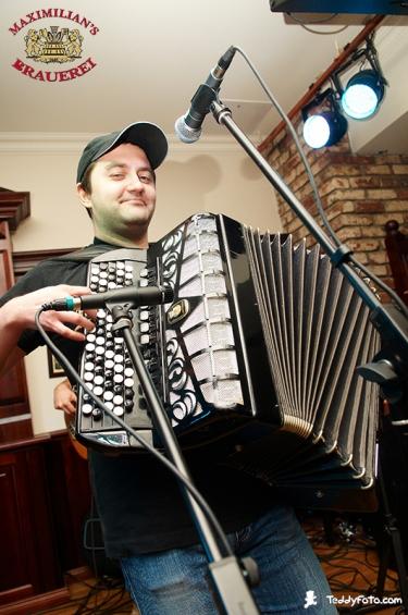 «Жуки», 21 ноября 2010 - Ресторан «Максимилианс» Казань - 12