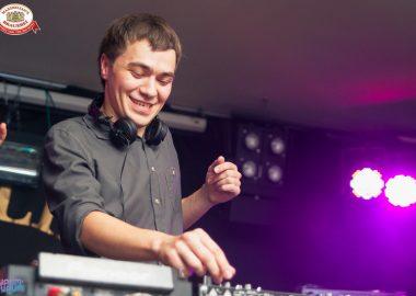 «Дыхание ночи»: DJAirat Lightmix (Казань) наДне ГИБДД, 4июля2014