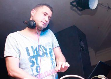 «Дыхание ночи»: DJСергей Рига, 11августа2012