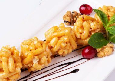 Калеве с грецким орехом и ягодами клюквы