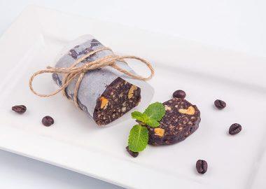 Домашняя колбаска из песочного печенья