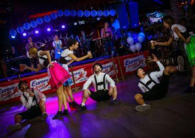 Открытие 205-го фестиваля живого пива «Октоберфест-2015», 18сентября 2015. Новосибирск —Пивная столица!