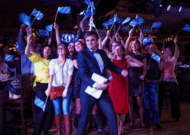 Открытие 204-го фестиваля «Октоберфест», 19сентября 2014«Максимилианс» Новосибирск —Пивная столица!