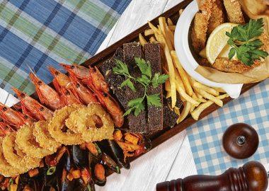 Рыбное ассорти из горячих закусок на 4 персоны