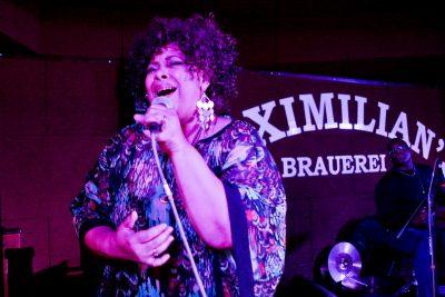 Эйда Дайер (США) и The «A» Band, 18 ноября 2012 - Ресторан «Максимилианс» Самара - 03