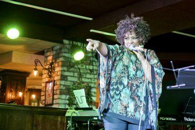 Эйда Дайер (США) и The «A» Band, 18 ноября 2012 - Ресторан «Максимилианс» Самара - 05