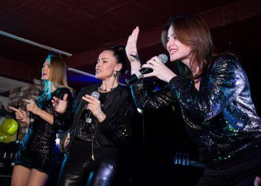 Танцы по-русски: группа «Отпетые мошенники» изолотой состав группы «Стрелки», 17ноября2016