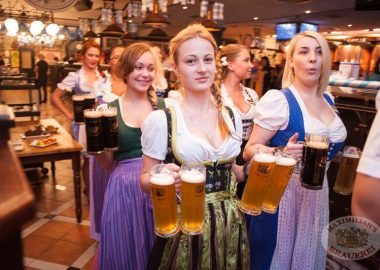 Старт 203-го фестиваля живого пива «Октоберфест», 20сентября2013