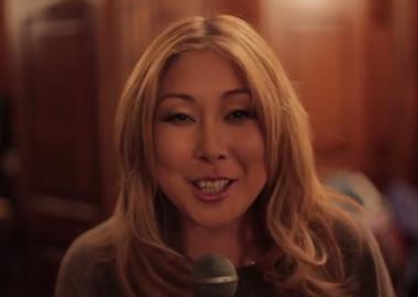 Анита Цой поздравляет «Максимилианс» Тюмень соткрытием —6 ноября2014